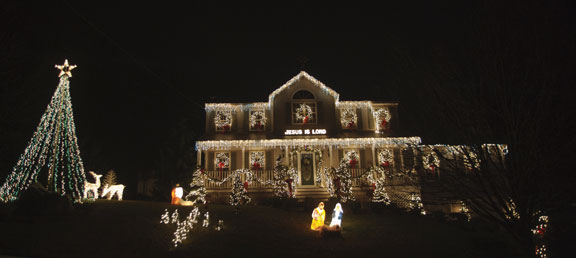 A house along Hopkins Hill Road in Naugatuck has lights choreographed to  Trans-Siberian Orchestra songs and is modeled after an Ohio house that  millions ... - Lights, Music Make House Biggest Show In Naugatuck Citizen's News