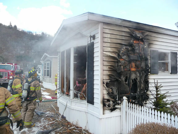 Oven fire severely damages mobile home in Beacon Falls