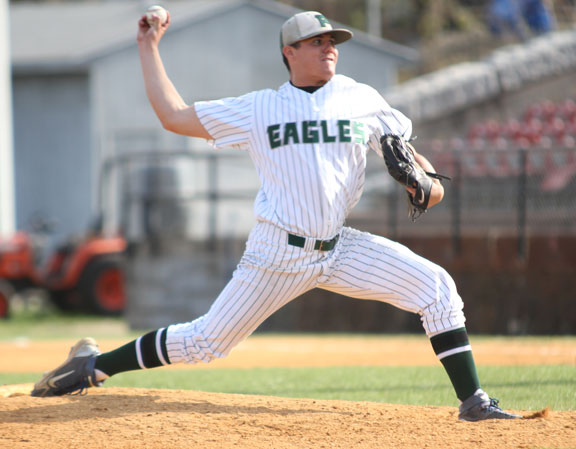 Prospect hurler signs with Road Warriors