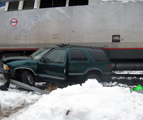Man drives into path of train in Beacon Falls