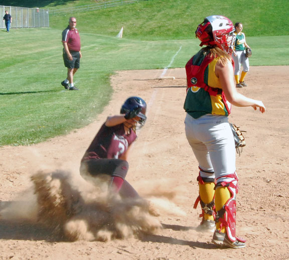 Naugy falls to Crusaders in 10 innings