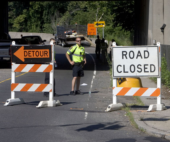 Work resumes on greenway
