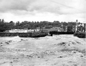 The Naugatuck River rises near the Whittemore Bridge in Naugatuck during the Flood of 55, Aug. 19, 1955. –RA ARCHIVE