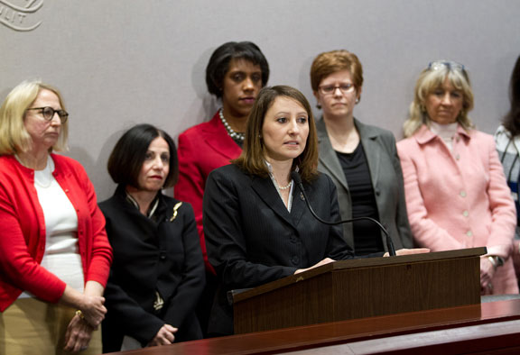 Legislators support bill to address sexual assault on college campuses